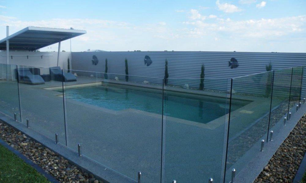 echuca-glass-modern-pool-glass-fencing